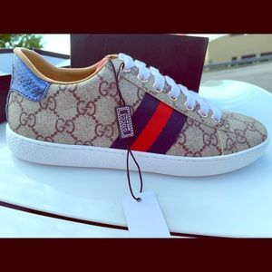 Authentic GUCCI shoes. NEVER WORN